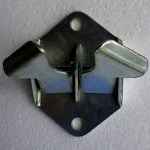 2-way butterfly latch