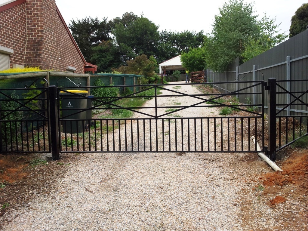 Dog and toddler proof farm gate