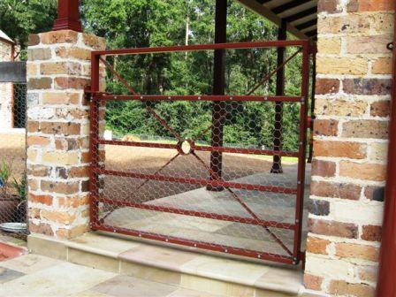 Estate garden_gate_with_rabbit_mesh overlay